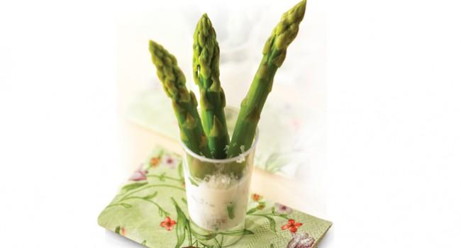 Bouquet d'asperges et sa trempette au parmesan