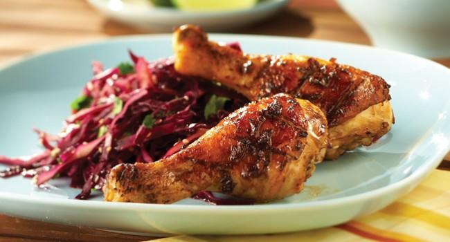 Pilons de poulet au tamari et salade de chou rouge