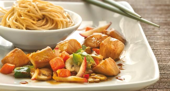 Sauté de poulet aux pommes et au gingembre