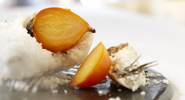 Betteraves cuites en croûte de sel
