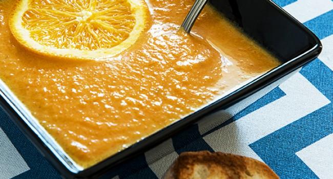Potage aux carottes et au gingembre, croûtons au chèvre
